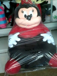 boneka sofa minnie