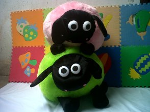 boneka shaun the sheep pink besar