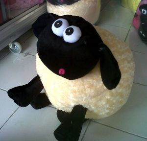 boneka shaun the sheep