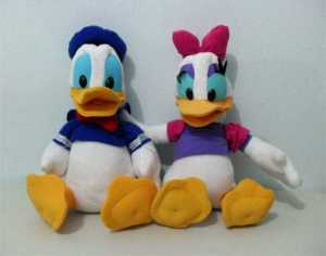 boneka donald duck