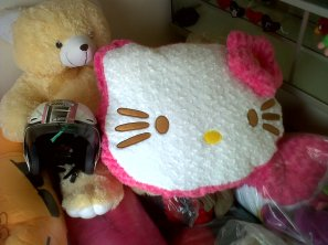 bantal hello kitty jumbo / besar