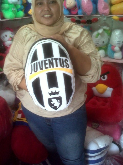bantal club bola juventus