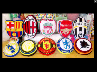 bantal logo club sepak bola