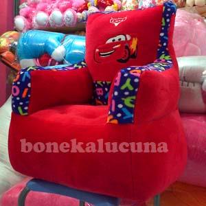 sofa karakter cars