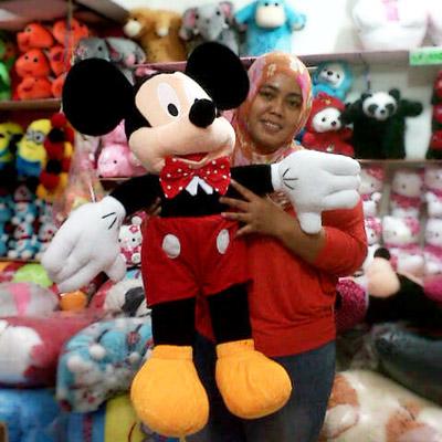 boneka mickey mouse besar