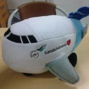 boneka pesawat garuda indonesia